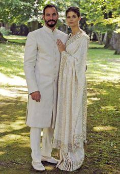 Brautmode: 31. August 2013: Durch ihre Märchenhochzeit mit Prinz Rahim Aga Khan wird das amerikanische Model Kendra Spears zu einer waschechten Prinzessin. In einem bezaubernden Hochzeits-Sari trat sie in Genf vor den Traualtar.