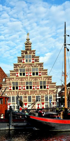 Cityscape of Leiden with canal and historic houses, the Netherlands | 13 Reasons Why The Netherlands Must Be On Your Bucket List