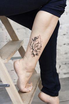 Mini Tattoos, Cute Tattoos, Leg Tattoos, Sleeve Tattoos, Inner Ankle Tattoos, Calf Tattoos For Women, Pretty Hand Tattoos, Water Lily Tattoos, Small Feminine Tattoos