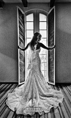 Beautiful Lace Mantilla veil photography by www.jaycaballero.com