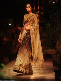 Sabyasachi saree at Delhi Couture Week 2013 Lakme Fashion Week, India Fashion, Ethnic Fashion, Asian Fashion, Women's Fashion, Bridal Sari, Indian Bridal, Pakistani Outfits, Indian Outfits