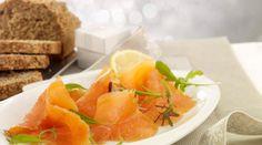 Smoked Salmon Bites Soda Bread, Cream Cheese Filling, Smoked Salmon, Fresh Herbs, Christmas Recipes, Real Food Recipes, Fruit, Healthy Food Recipes