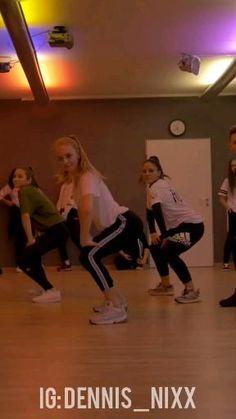 Girl Dance Video, Hip Hop Dance Videos, Dance Workout Videos, Dance Moms Videos, Dance Music Videos, Cool Music Videos, Dance Choreography Videos, Funny Minion Videos, Funny Videos For Kids