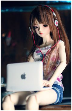 Theorie is a Doll Love Thea Clothes and headphones by me Audio by RodianAngel on DeviantArt Cartoon Girl Images, Cute Cartoon Girl, Anime Girl Cute, Anime Art Girl, Doll Images Hd, Barbie Images, Cute Girl Hd Wallpaper, Cute Disney Wallpaper, Cute Girl Poses
