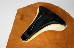 DIY: Fahrrad-Sattel neu überziehen bzw. beziehen mit Bezug aus Leder. #urbanbike #bicycle #bike #diy #leather #saddle