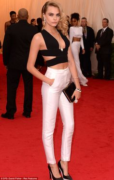 Met Ball Cara Delevingne rocks Stella McCartney white trousers and crop top - Cara Delevingne in Stella McCartney pants ensemble @ Met Gala 2014 - Cl Fashion, Look Fashion, Fashion Models, Looks Street Style, Looks Style, Cara Delevingne Style, White Trousers, White Slacks, Looks Chic