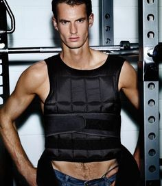 how hot is Andy Murray in this pic!?