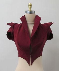 Pictured here is an Evening Jacket by Charles James. Evening Jackets were popular among women and they often wore them over dresses during the evening. Looks like more of a vest with shorts sleeves to me! 1930s Fashion, Look Fashion, Vintage Fashion, Fashion Outfits, Fashion Tips, Fashion Design, Vintage Couture, Fashion Hacks, Classy Fashion