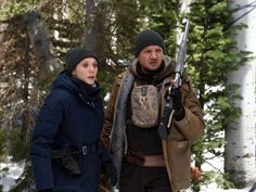 Oscar-nominated Sicario and Hell or High Water writer Taylor Sheridan steps behind the camera as well to direct Jeremy Renner and Elizabeth Olsen in the super-tense looking thriller Wind River. Michelle Dockery, Michelle Pfeiffer, Indie Movies, New Movies, Movies To Watch, Good Movies, Greatest Movies, 10 Film, Film Serie