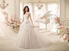 Pretty Wedding Dresses, Perfect Wedding Dress, Bridal Gowns, Wedding Gowns, Steampunk Wedding Dress, Buy Wedding Dress Online, Le Jolie, Wedding Fabric, Wedding Cake