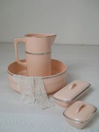 Wash basin, pitcher,& soap dishes