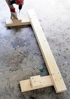 Tee itse penkki sahatavarasta | Meillä kotona Wooden Pallet Furniture, Wooden Pallets, Outdoor Furniture, Outdoor Decor, Wood Projects, Projects To Try, Palette, Wooden Crafts, Bench