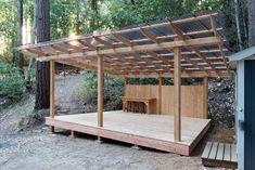 Cabin Loft, Diy Cabin, Cabine Diy, Tree Deck, Gazebo Plans, Deck Plans, Pergola Patio, Backyard Patio, Deck Gazebo