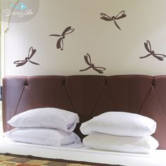 Capture these flighty insects right on your walls! The dragonflies are a great decal for the insect enthusiast and especially for kids. Put them up in a bedroom, playroom, kitchen, or anywhere you like!