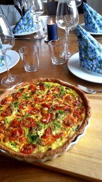 Helluen! De dagene man skal få gjester og har litt dårlig tid rett før de kommer, er pai en supe... Chorizo, Vegetable Pizza, Vegetables, Food, Blogging, Veggies, Vegetable Recipes, Meals, Yemek
