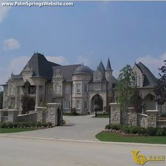 dream mansion Not sure who designed this home but it is beautiful! Dream Home Design, My Dream Home, Real Estate Quotes, Dream Mansion, Small Mansion, Luxury Homes Dream Houses, Dream Homes, Mansions Homes, Big Mansions