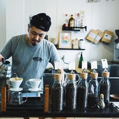 """Info on our next #coffeefromjapan from Life Size Cribe @lifesizecribe / Tokyo is now up. """"Yoshida-san strongly believes that people should feel happy when they drink coffeecoffee should be more than the way to intake caffeine but it should be something beneficial to their body and mind."""" - read more at wwwkurasu.kyoto/cribe  Subscribe at http://www.kurasu.kyoto/coffeefromjapan Deadline on the 15th  Kurasuコーヒーサブスクリプション#coffeefromjapanの次のロースターは国分寺のLife Size Cribe…"""