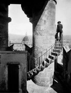 Fratelli Alinari, Scala della torre di Palazzo Vecchio, Florence,  ca 1900-05