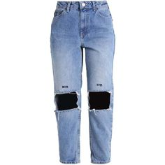 Topshop Jeans relaxed fit bleach ❤ liked on Polyvore featuring jeans, pants, relaxed jeans, relaxed fit jeans, bleached blue jeans, bleached jeans and blue jeans