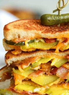 For my man: Dill Pickle Bacon Grilled Cheese. This is the best sandwich ever with loads of crispy bacon, gooey cheese and crunchy dill pickles. Grilled cheese will never be the same again! Grill Sandwich, Soup And Sandwich, Steak Sandwiches, Sausage Sandwiches, Sloppy Joe, Sandwich Croque Monsieur, Ideas Sándwich, Tacos, Grilled Cheese Recipes