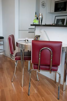 Cola Red Brooklyn Chairs In Claret With Route 66 Half Round Table In Frosty  White Gloss