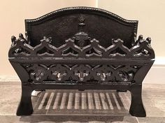 Very attractive Edwardian cast Iron Fire Grate Cast Iron, It Cast, Fireplace Accessories, Baskets, Deco, Antiques, Vintage, Antiquities, Antique