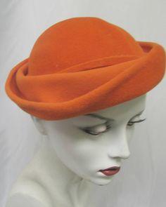 FALL SALE! Vintage 1940's 1950's Orange Felt Hat made by Tonak Czechoslavakia sold by Norma, Jersey City, NJ Tam Beret Wool Felt