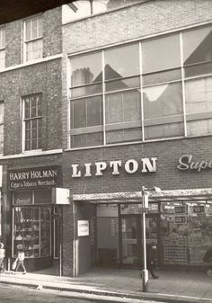 Shops you probably wish Chester still had today Vintage London, Old London, 1970s Childhood, Childhood Memories, Supermarket Sweep, Old Photos, Vintage Photos, Vintage Photographs, Vintage Pictures