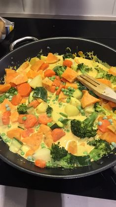 [Recette] Ultra easy and quick vegetable and chickpea curry .- [Recette] Curry de légumes et pois-chiches ultra facile et rapide (vegan) (Recipe) Vegetable and chickpea curry ultra easy and fast (vegan) - Easy Healthy Recipes, Healthy Snacks, Vegetarian Recipes, Easy Meals, Fast Recipes, Diet Snacks, Cooking Recipes, Vegetable Curry, Vegetable Recipes