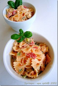 salad with pasta, home made - PIN now, read later Best Pasta Recipes, Soup Recipes, Party Recipes, Recipies, Healthy Food List, Healthy Recipes, Yummy Recipes, Healthy Life, I Love Food