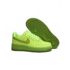Salg Billig Dame Nike Air Force 1 Lav Grøn Sko I Nike Air Force 1 Dame på butikken Air Force Ones, Air Force 1, Nike Air Force, You Look, Take That, Sneakers Nike, Poses, Design, Fashion