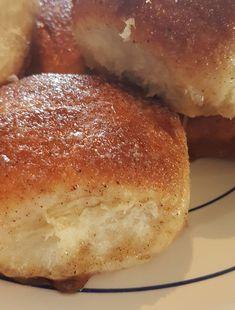 Deilige å søte på utsiden, myke og luftige på innsiden. Norwegian Food, Norwegian Recipes, Piece Of Bread, Sweet Bread, Food To Make, Cake Recipes, Food Porn, Brunch, Food And Drink