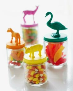 ANIMAL JARS :: This is such a super cute idea to give as gifts during holidays or parties!