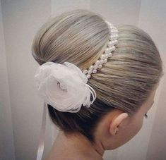Wonderful Coque Door in Pearls and Flower in crystal organza, miolito in half pearl and strass, all Headband Hairstyles, Diy Hairstyles, Wedding Hairstyles, Flower Hair Accessories, Wedding Hair Accessories, Communion Hairstyles, Bun Wrap, Kanzashi Flowers, Diy Hair Bows