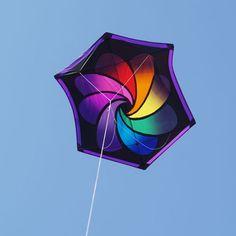 equipment for Kite Aerial Photography, aerial photography using kites (KAP), balloons (BAP) or poles (PAP). Kite Store, Power Kite, Stunt Kite, Kite Designs, Kite Making, Go Fly A Kite, Windy Day, Origami, Aerial Photography