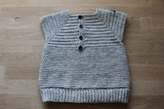 Sweet potatoes: Hæklet babyvest = almost done!