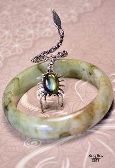 StrelKa -Авторские украшения в технике Wire Wrap  Скорпион...  Прекрасный серебряный царь скорпионов с зеленым лабрадором.  Еще одно кольцо из разряда не на каждый день!