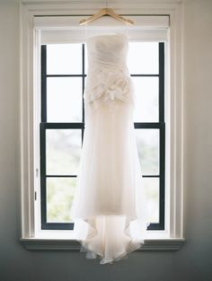 Strapless Vera Wang wedding dress: http://www.stylemepretty.com/2016/01/04/pink-red-watercolor-wedding/ | Photography: When He Found Her - http://whenhefoundher.com/