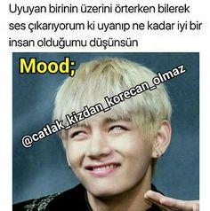 《YANA KAYDIR》Bu biz😅 . . . Daha fazlası için⤵⤵ .@catlak_kizdan_korecan_olmaz @catlak_kizdan_korecan_olmaz . . 😉Hayattan soğumasını… Comedy Zone, Bts Funny Moments, Bts And Exo, Bts Photo, Bts Bangtan Boy, Bts Memes, Read More, Taehyung, Funny Jokes