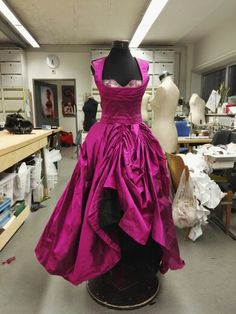 Victorian, Formal Dresses, Fashion, Moda, Formal Gowns, Fasion, Trendy Fashion, Formal Evening Gowns, La Mode