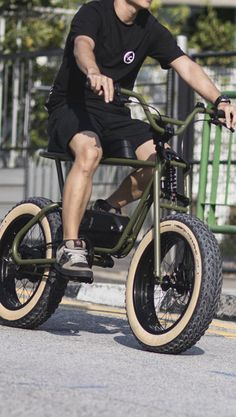 The Buzzraw by Coast Cycles: The Ultimate Unconventional Commuter - Sykkel - Bike Velo Retro, Velo Vintage, Trike Bicycle, Motorized Bicycle, Best Electric Bikes, Electric Bicycle, Fat Bike, Eletric Bike, Velo Design