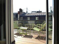 Terrasses du New Hotel Roblin à Paris Style Parisienne, Outdoor Furniture, Outdoor Decor, Location, Sun Lounger, Home Decor, Terraces, Chaise Longue, Homemade Home Decor
