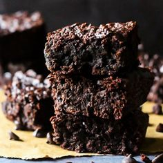 Choco Chip Almond Butter Brownies
