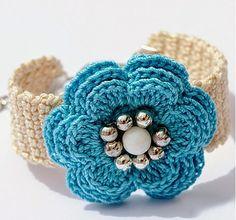 Anabelia Handmade: Spring summer crochet bracelets and earrings sets Bracelet Crochet, Crochet Earrings, Crochet Jewellery, Mode Crochet, Knit Crochet, Funny Crochet, Crochet Crafts, Crochet Projects, Micro Macramé