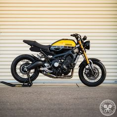 Harley Davidson Bike Pics is where you will find the best bike pics of Harley Davidson bikes from around the world. Tracker Motorcycle, Cafe Racer Motorcycle, Moto Bike, Motorcycle Garage, Motorcycle Girls, Moto Custom, Custom Bikes, Bmw Cafe Racer, Cafe Racer Build
