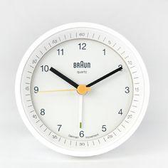 Love the simplicity of this classic Braun clock @Jonathan Nafarrete Nafarrete Nafarrete Long