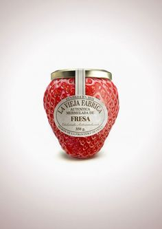 packaging strawberry jam jar - love it. Clever Packaging, Fruit Packaging, Pretty Packaging, Brand Packaging, Product Packaging, Packaging Ideas, Design Packaging, Glass Packaging, Coffee Packaging