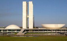 Eduardo Cunha foi preso hije, preventivamente em Brasília e deve ser encaminhado ainda hoje para Curitiba!!! #LugarDeBandidoÉNaCadeia