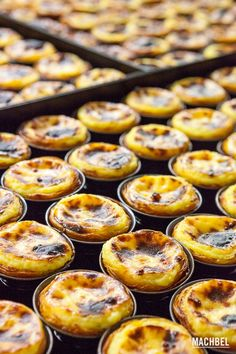 Chocolate Cake: Tricks to make Belem Cupcakes - recetas dulces - Portuguese Desserts, Portuguese Recipes, Custard Tart, Egg Tart, Cakes And More, Sweet Recipes, Cupcake Cakes, Sweet Tooth, Bakery