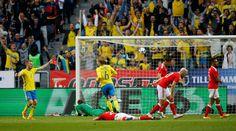Emil Forsberg scores the first goal for Sweden